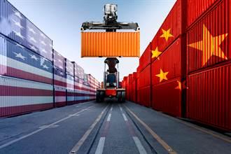陸8月外貿強勁反彈 分析:誰來拯救世界經濟—美國或中國?