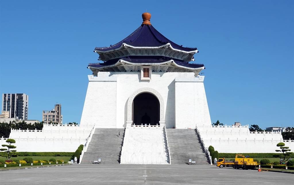 促轉會8日公布中正紀念堂轉型方案,預計以「反省威權歷史公園」為主軸,透過改造園區成為歷史教育的活教材。(姚志平攝)
