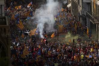 加泰隆尼亞民族日 10萬群眾上街挺獨立