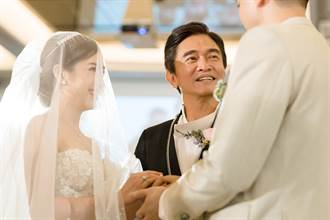 吳宗憲二女兒「絕美婚紗照」曝光 感性喊爸是鋼鐵人「愛你3000遍」