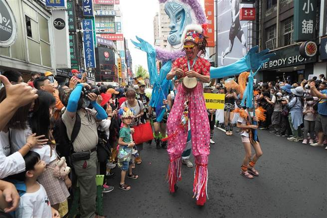 大人小孩都愛的熱鬧嘉年華種子,已在台灣每個角落生根,豐富這塊土地。(圖/林格立攝)