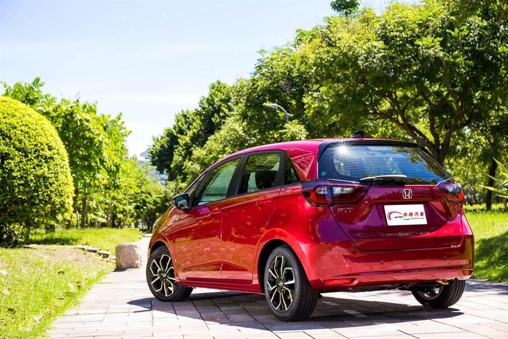 試駕車型為HOME汽油型,售價74.9萬元,配備大致上與油電版本相同。(圖/陳彥文攝)