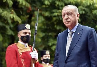 土耳其五角大廈 月星計畫挨批肥了總統裙帶