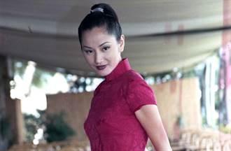 王祖賢30年前故宮拍美照 身後不起眼臨演現成知名女星
