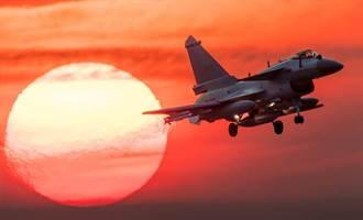陸殲10領先印度光輝戰機 致勝原因曝光