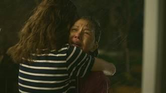 《俗女2》大小嘉玲母女擁抱催淚 于子育嘆「受傷後才懂媽媽是對的」