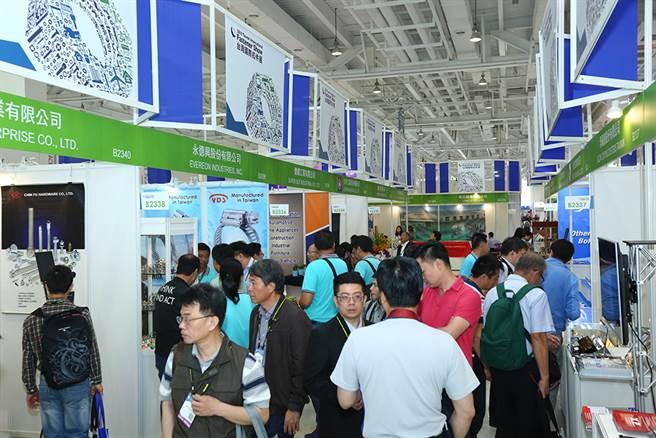 兩年一次的「臺灣國際扣件展」規模盛大,集結國內各廠商參與,也吸引國外買主觀展下單。 (圖片提供/中華民國對外貿易發展協會)