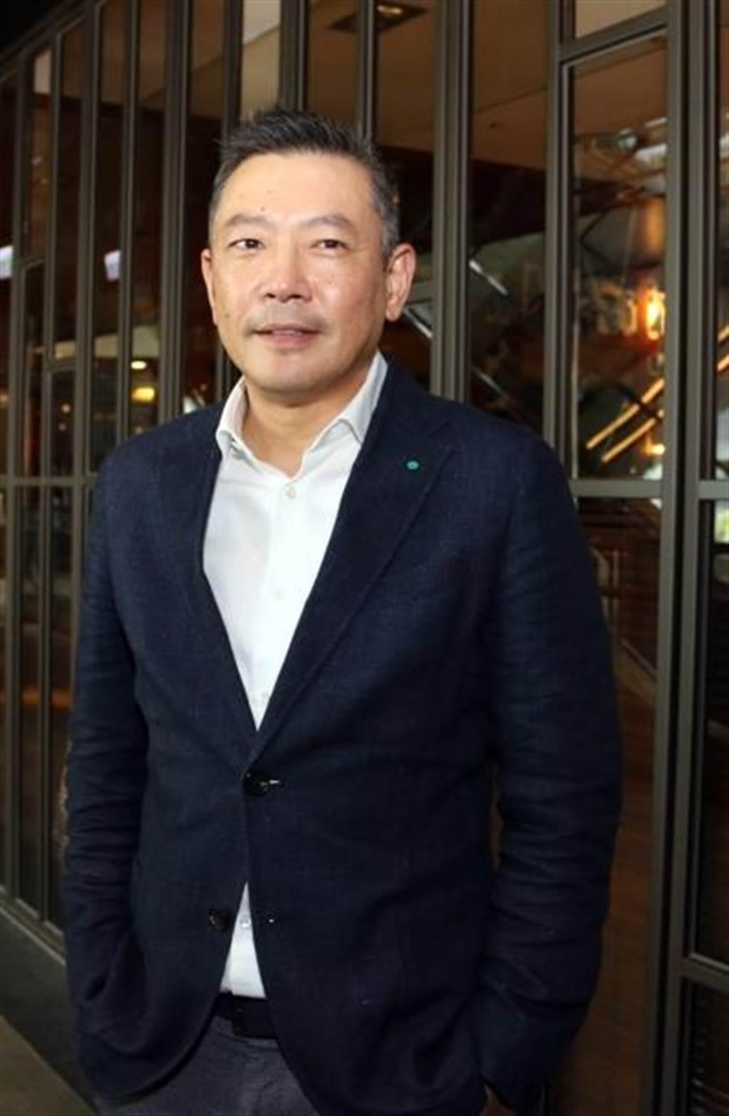 新光三越副董事長兼總經理吳昕陽,在疫情中秉持「正面謹慎,積極面對」的態度。(本報資料庫)