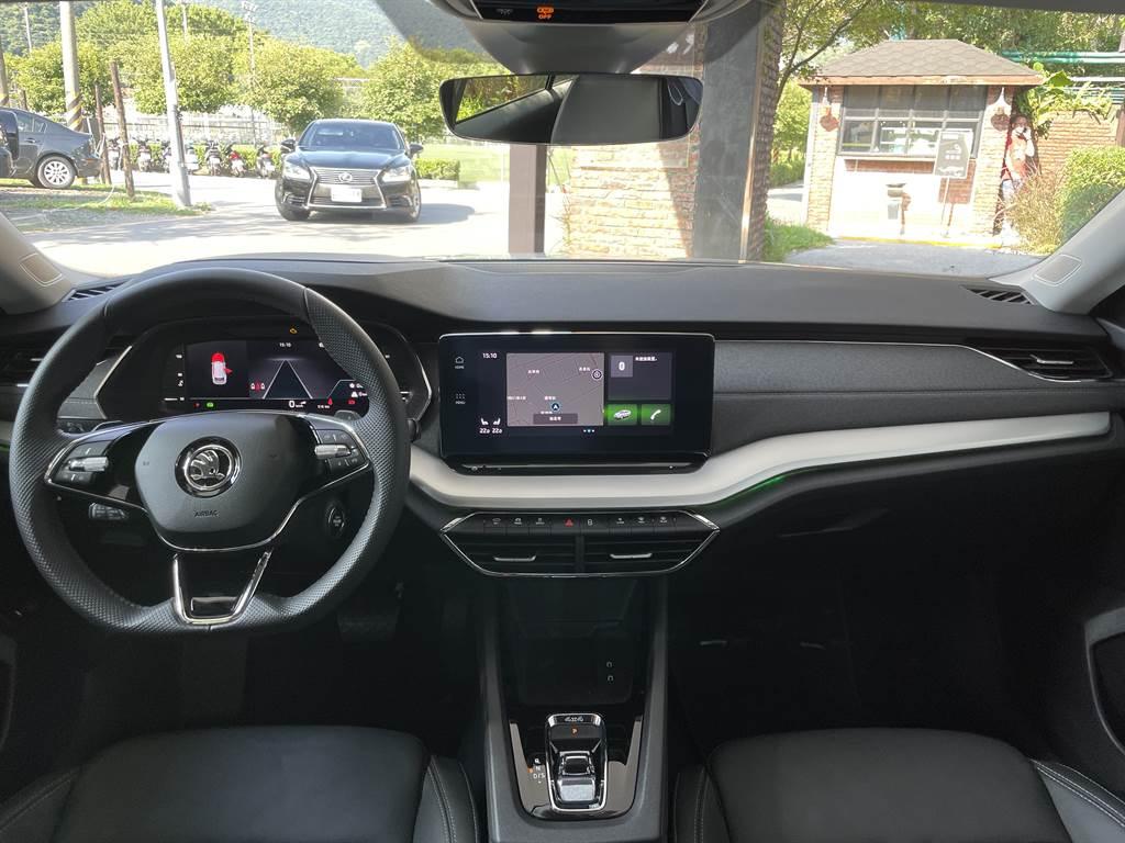Info Sense智慧直覺數位化座艙的車廂內擁有許多首次搭載的高科技配備。(圖/陳彥文攝)