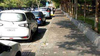 市區停車變聰明 智慧引導省時又環保