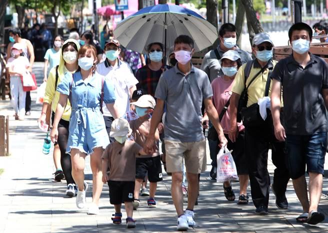 全台二級警戒9月20日期限將至,是否會再降級?中央流行疫情指揮中心指揮官陳時中今(14)日在疫情記者會上的一句話,讓鄉民超嗨。(鄭任南攝)