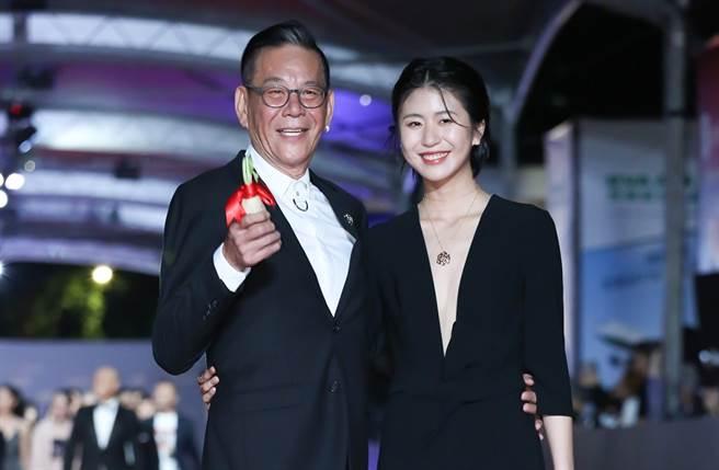 龍劭華和女兒陳璇2019年一起走金鐘紅毯。(圖/中時資料照)