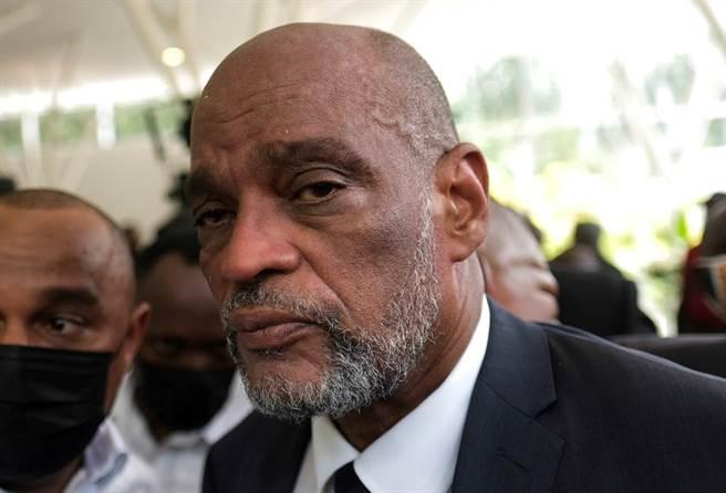 海地總理亨利(Ariel Henry)7月20日在首都太子港出席總統摩依士(Jovenel Moïse)的追悼會。(路透)