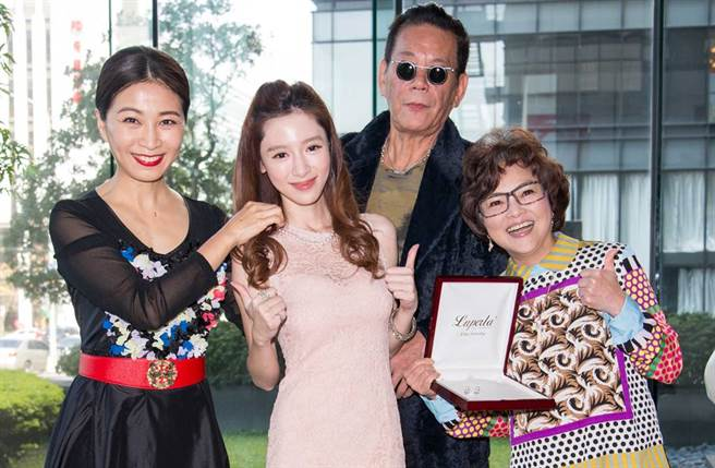 楊可涵(左二)曾兩度飾演龍劭華孫女。(圖/本報系資料照)