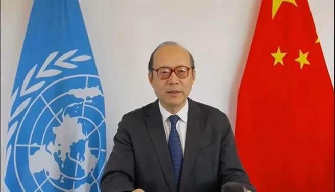 中國常駐聯合國日內瓦代表團大使陳旭在人權理事會會議代表40多國作共同發言。(大陸央視)