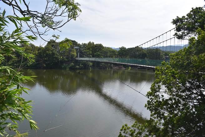 明德水庫環湖自行車專用道將連接日新島等知名景點。(謝明俊攝)