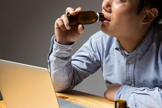 日本的營養補充飲料廣告則有全然不同的傾向。 (示意圖/Shutterstock)