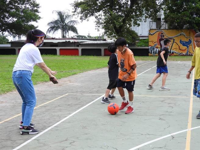 足球在花蓮有許多獨立的升學管道,<b><a href=