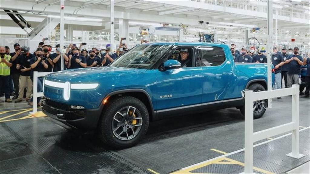 搶先特斯拉和福特一步,Rivian R1T 電動皮卡量產車型即將開賣(圖/DDCar)