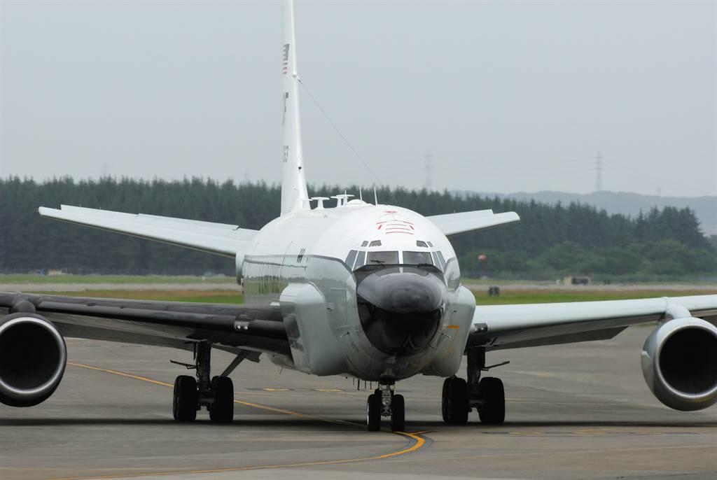 美國空軍RC-135S「眼鏡蛇球」式(Cobra Ball)電子偵察機的資料照。(達志影像/Shutterstock)