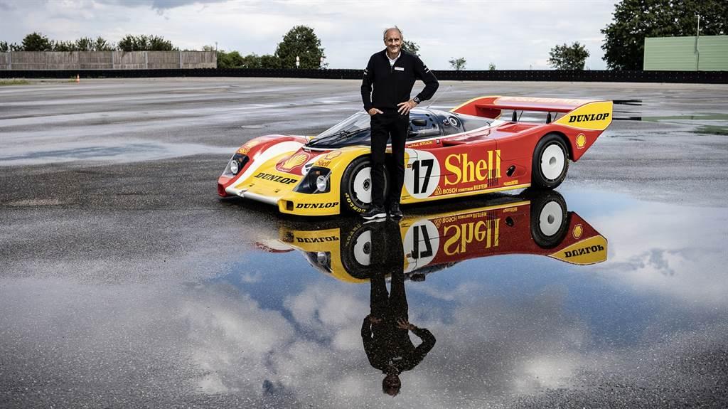 兩度利曼冠軍Hans-Joachim Stuck成功奪下利曼冠軍頭銜的駕駛車款962 C將首度登上Sound Night舞台。(圖/Porsche提供)