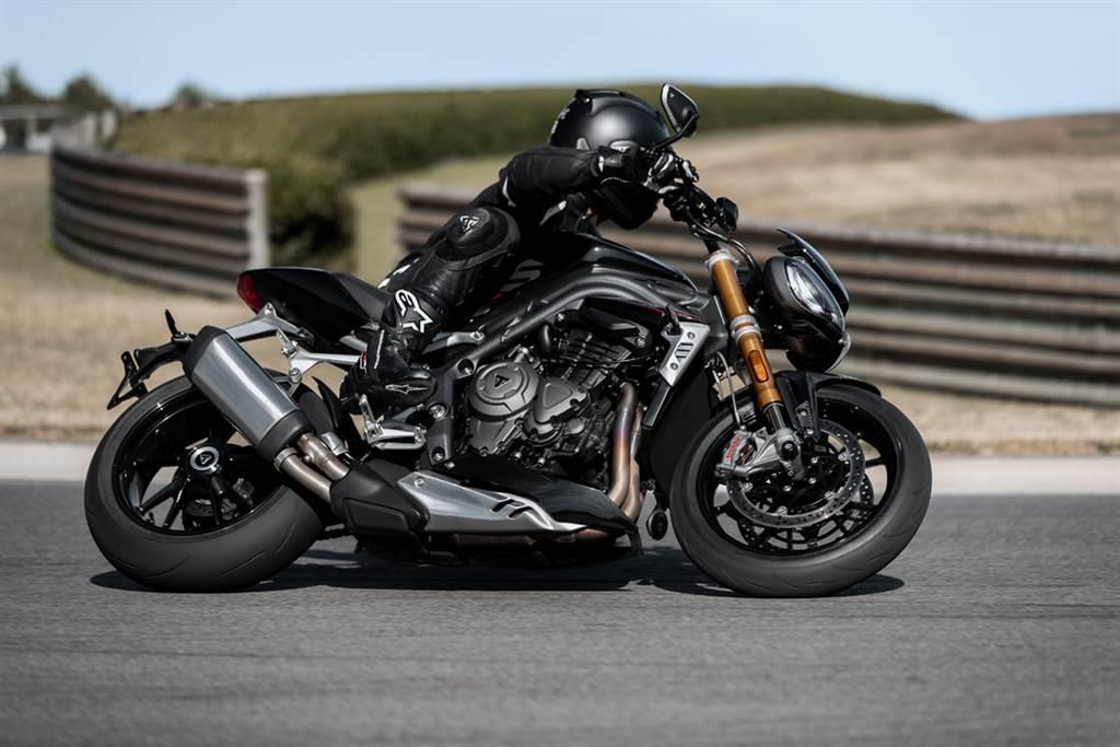 復古與性能同時兼具 Triumph Speed Twin、Speed Triple 1200 RS實車展示開跑(圖/BikeIN)