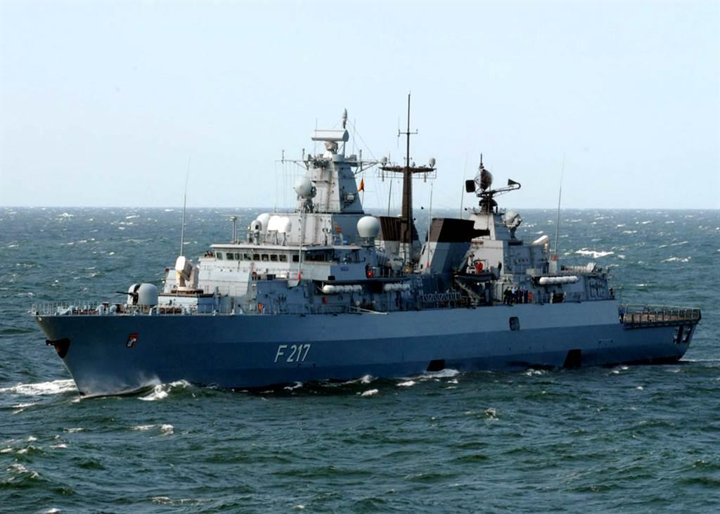 德國海軍護衛艦巴伐利亞號(圖)於8月2日從德國威廉港出發前往亞洲執行「航行自由」政策,行程中向中國提出要求先行訪問上海或青島,但已經遭到拒絕。(圖/德國海軍)