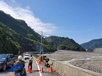 明霸克露橋涵管便道搶通 今起每日開放6時段通行
