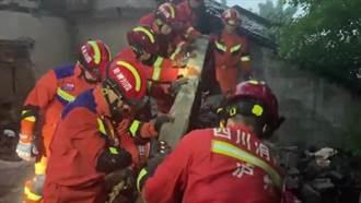 四川瀘縣地震應變 成渝高鐵等11條線路暫停 救援人員徒手刨廢墟救人