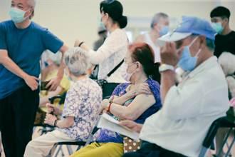 滿75歲長者第2劑莫德納疫苗 北市擬設籍者先打