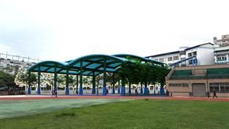 土城桐花天幕風雨球場 預計下月完工
