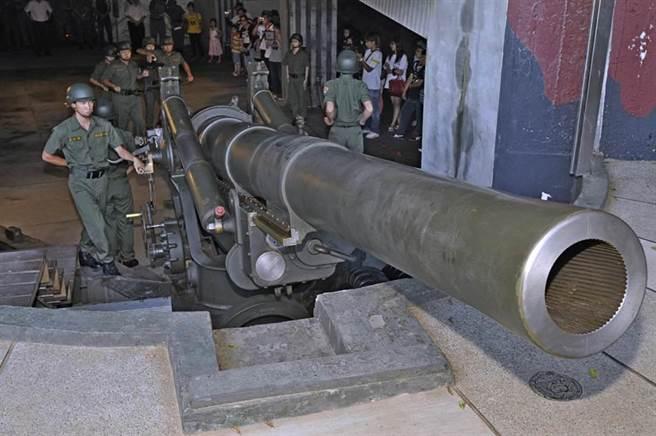 金門獅山炮陣地有「威鎮金東」、「金東第一炮」之譽。(李金生攝)