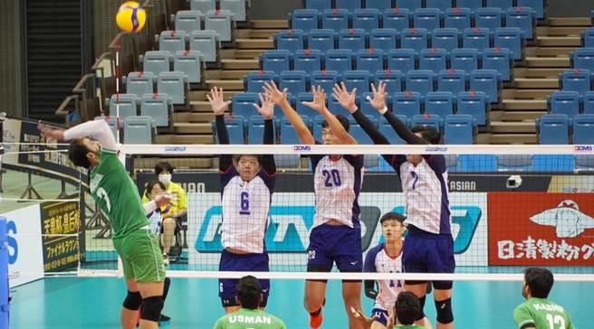 中華男排隊在亞錦賽8強賽擊敗天助自助,擊敗巴基斯坦後,再靠伊朗力退韓國,提前確定晉級4強。(取自AVC官網)