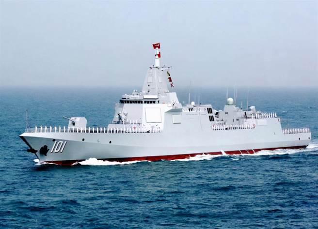 中共海軍055型南昌艦編隊進入美阿拉斯加附近海域鬥到底,令大陸網民群情激奮。(圖/新華社)