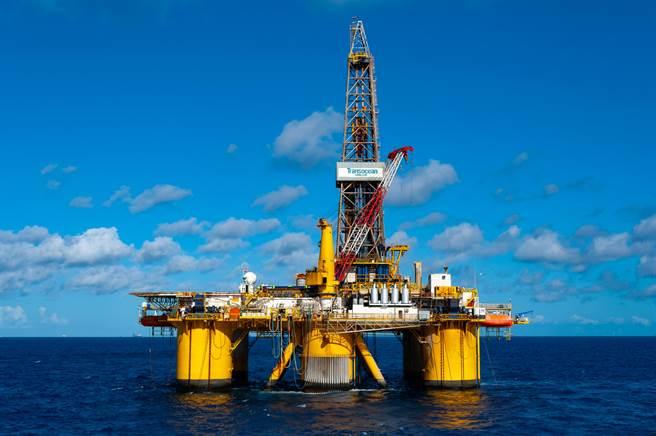 大陸將在9月24日首次釋放儲備原油對抗通膨。(shutterstock)