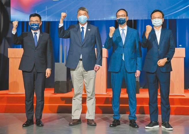 國民黨主席日前選舉電視辯論會,4位候選人江啟臣(左起)、張亞中、朱立倫、卓伯源。(資料照,粘耿豪攝)