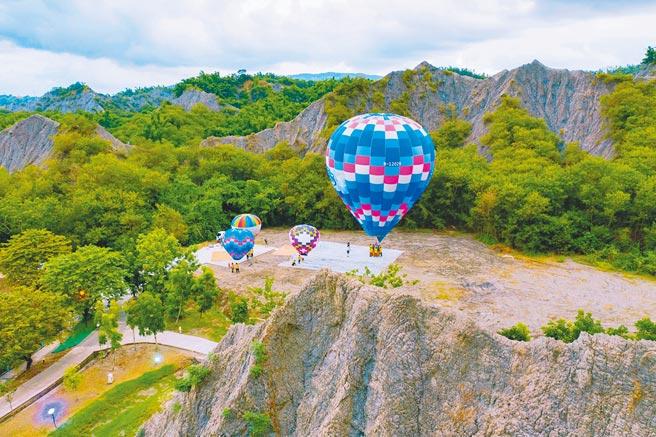 高雄田寮月世界熱氣球試飛成功,最快10月開放民眾體驗。(高市觀光局提供/柯宗緯高雄傳真)