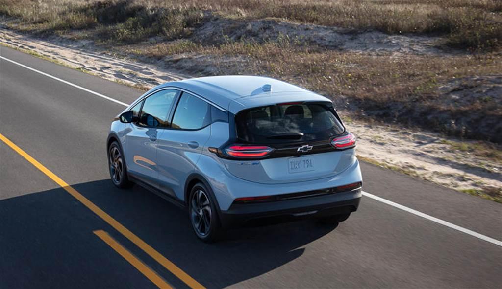 通用電動車電池自燃 竟建議車主保持15公尺安全停車距離(圖/DDCar)