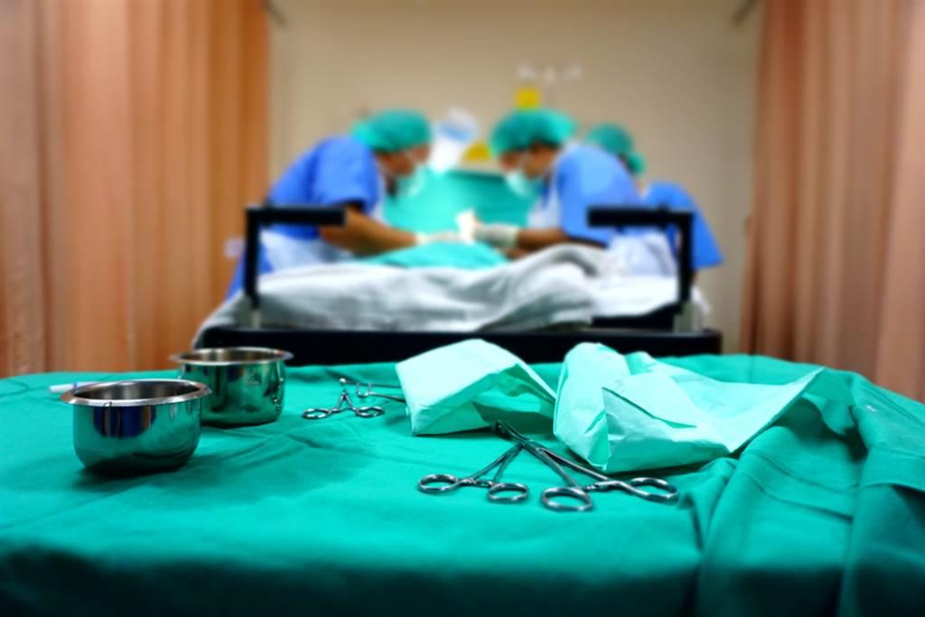 包皮不割恐增罹癌風險,泌尿醫示警說,自我檢測發現這4個狀況快就醫。(圖/Shutterstock)