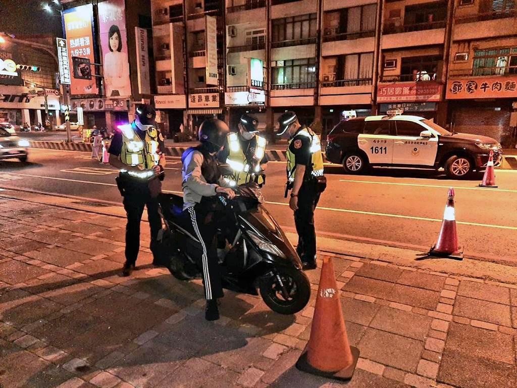台南市警察局長方仰寧貫徹市長黃偉哲「酒駕零容忍」政策,不僅安排高密度取締酒駕勤務,連「自家人」酒駕也不輕饒。(本報資料照片)