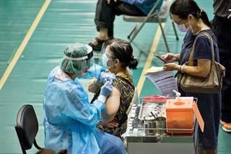 統一造冊 嘉義市75歲以上長者28日接種第2劑莫德納