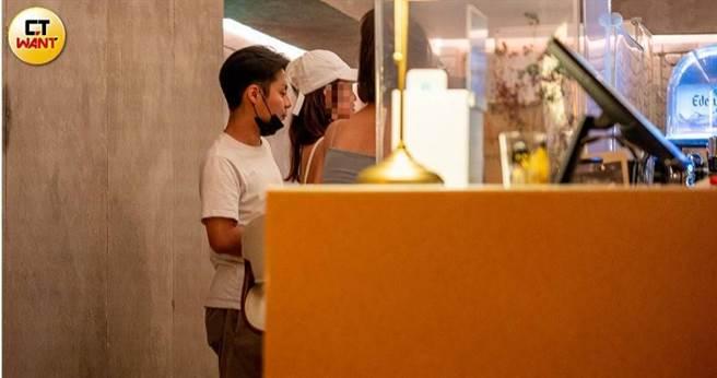 女星梁佑南之子方璿在大安區開設餐酒館,日前傳出黑幫分子到店裡消費竟藉酒後鬧事、打人。(圖/焦正德攝)。
