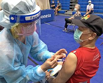 金門75歲以上接種第2劑莫德納 9/24衛生所開打
