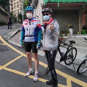 羅智強騎車拍照後嚇一跳「他像風一樣消失」  9000網友竟按讚
