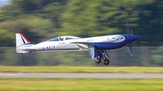 勞斯萊斯會飛了 全電動飛機處女航成功