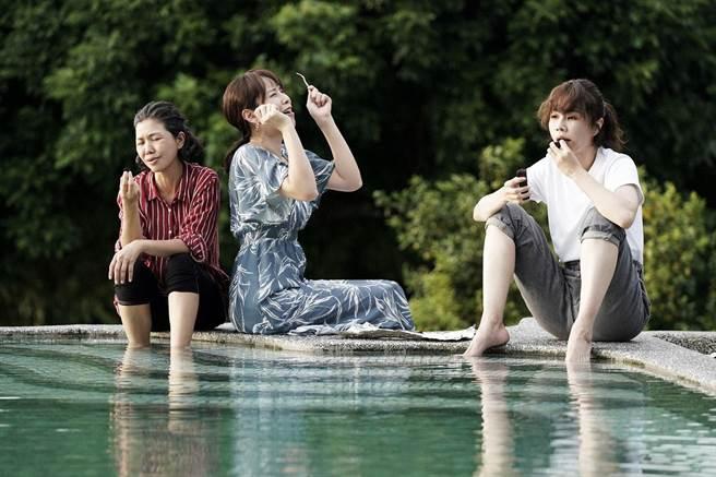 于子育、天心、謝盈萱劇中有段公路之旅。華視提供