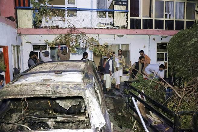 美軍8月底在空襲炸彈客的行動中誤炸阿富汗平民一家10口。(圖/美聯社)