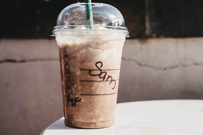 一名女大生表示,自己姓「趙」,以算常見姓氏,但還是常常被寫錯,令無奈地表示「改姓林好了」。(圖/示意圖,達志影像)