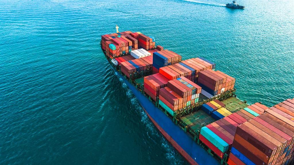 外資在中秋連假前最後一個交易日(17日)大買貨櫃三雄,合計買超長榮、陽明、萬海4.2萬張。(示意圖/達志影像)