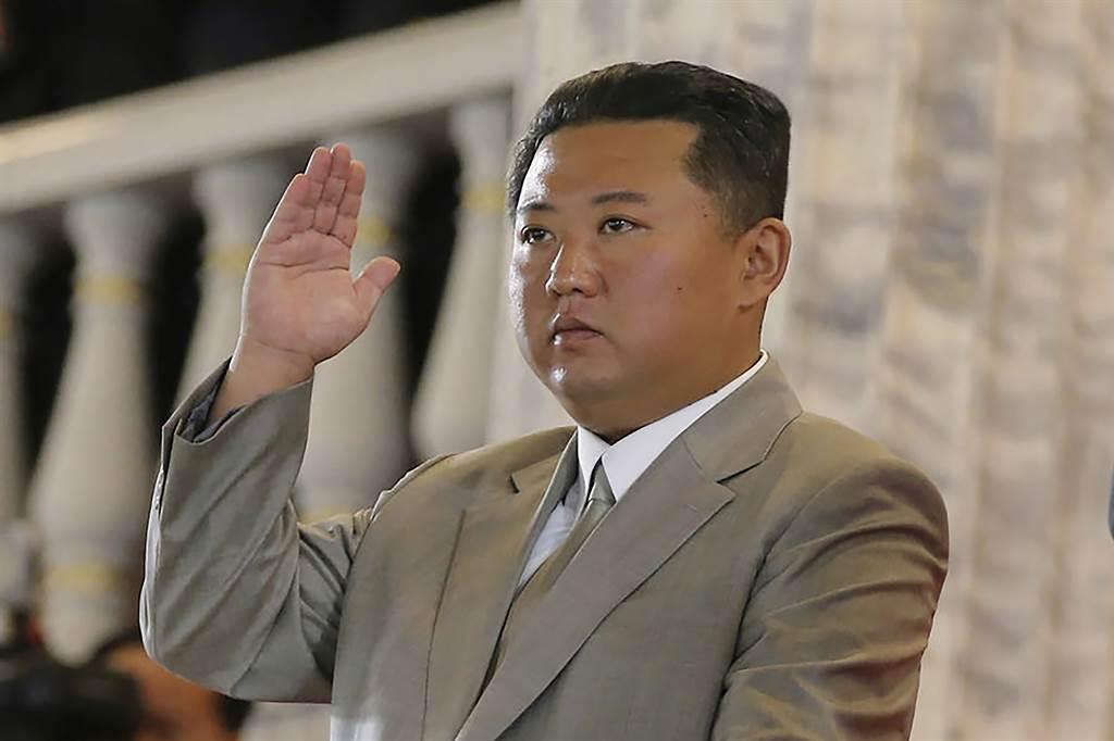 拜登政府與北韓的關係,顯示出美方已改變作風,不延續前總統川普與北韓領袖金正恩(圖)之間不尋常的外交兄弟情。(圖/美聯社)